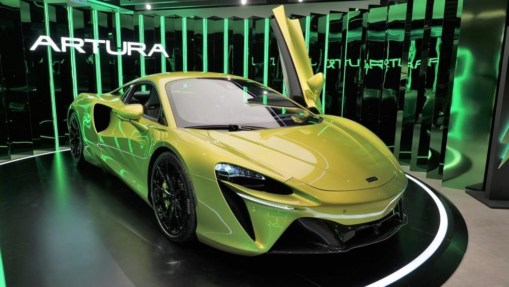 Sẽ không lâu nữa mẫu siêu xe Artura sẽ được mang về Việt Nam