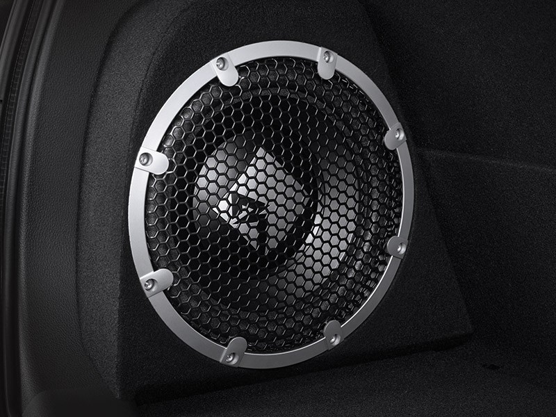 2 phiên bản đặc biệt đều có hệ thống âm thanh Rockford Fosgate