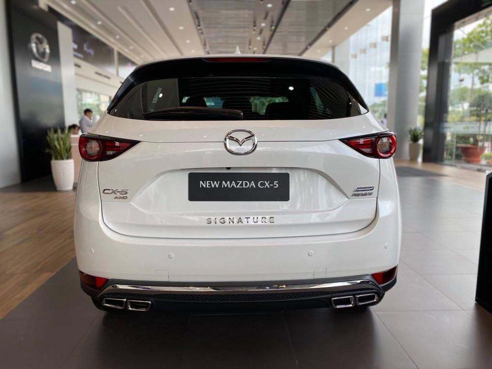 New CX-5 2.5L Signature Premium AWD có mức giảm giá tiền mặt 10 triệu đồng ở các đại lý Mazda trong Nam và 1 số đại lý ở Hà Nội