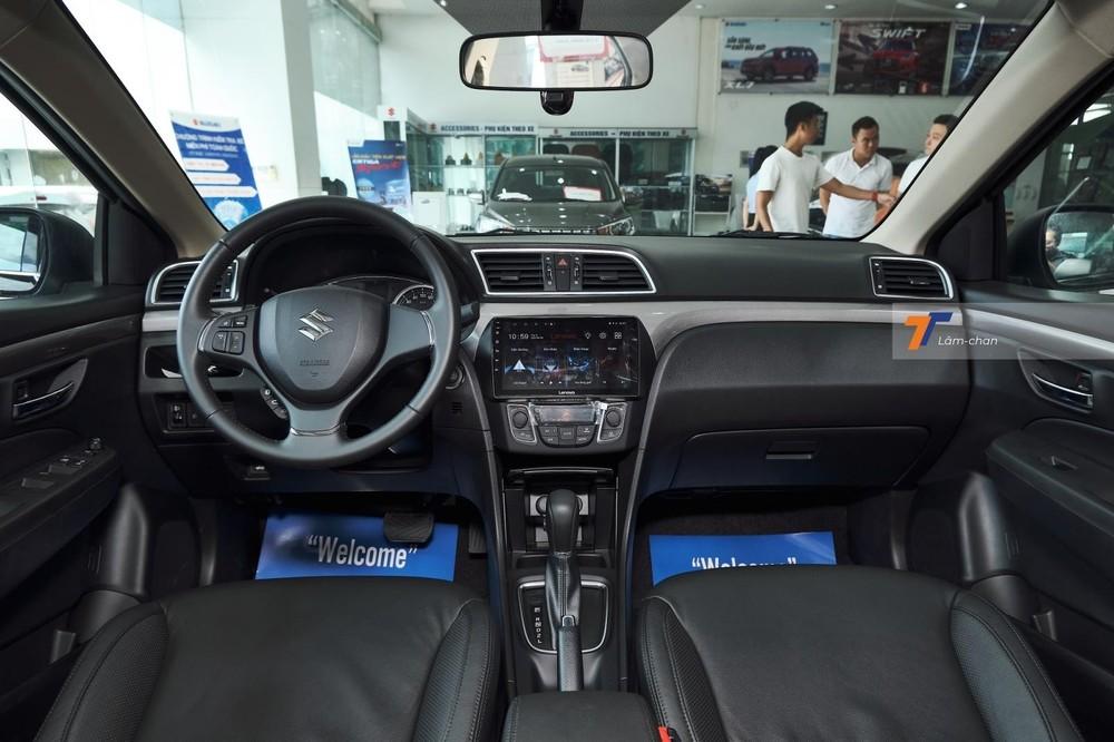 Các trang bị của Suzuki Ciaz vẫn tương đối cơ bản, chưa có điểm thực sự nổi bật hơn các đối thủ.