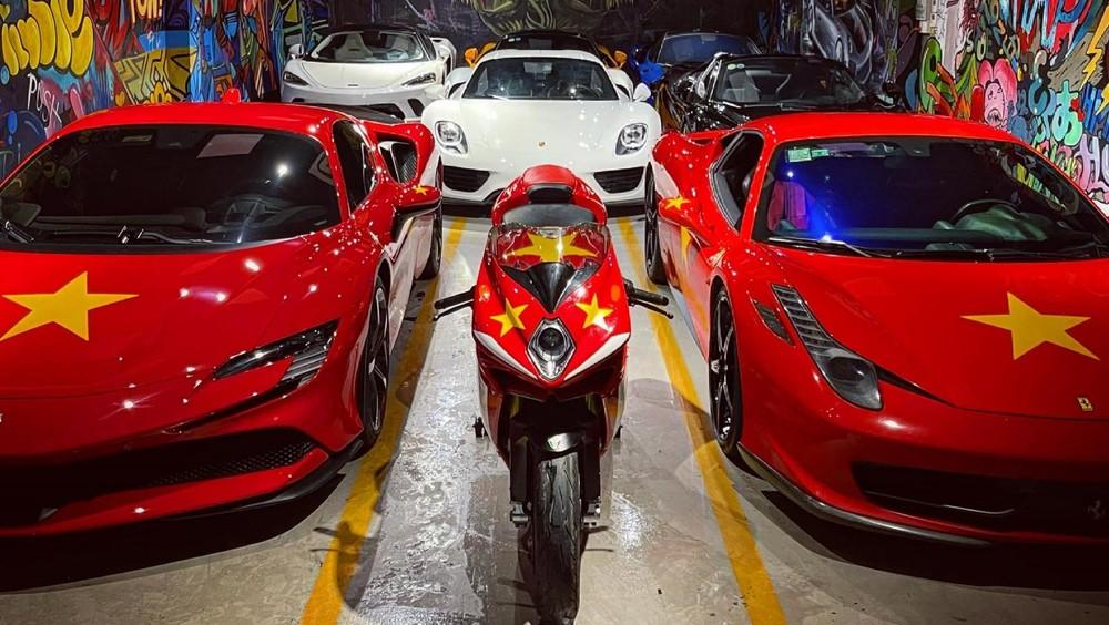 Dàn siêu xe lúc còn ở trong showroom tại Sài thành với điểm nhấn là Porsche 918 Spyder
