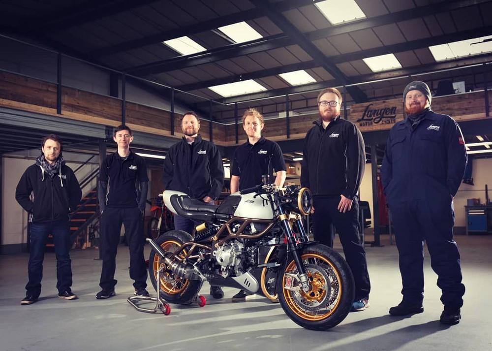Chiếc Cafe Racer được hoàn thiện bởi gia đình LM tại Anh Quốc