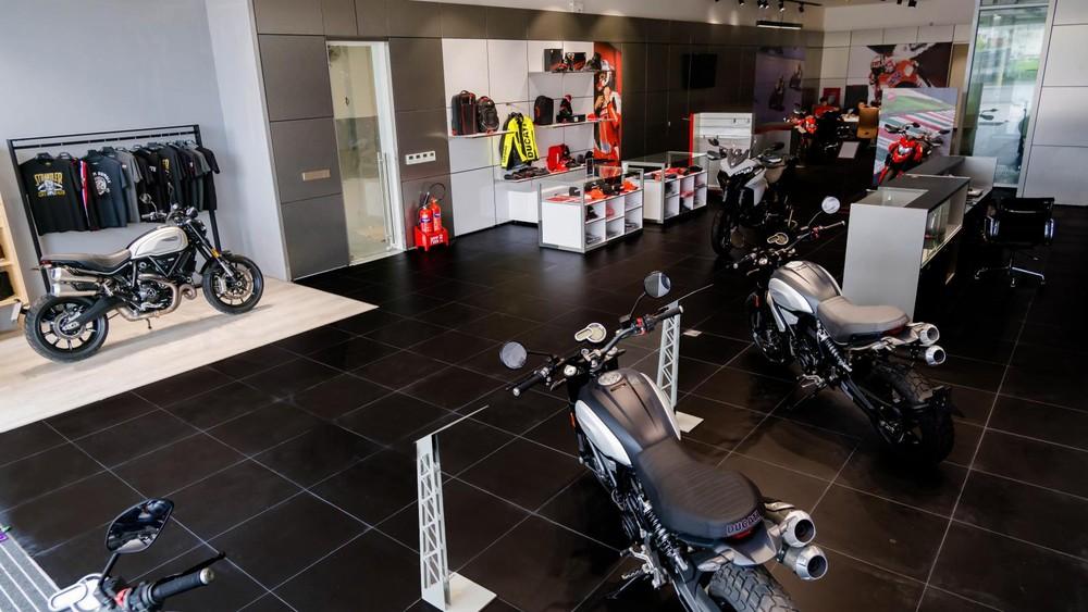 Showroom Ducati Hà Nộisẽ sở hữu đầy đủ các khu vực từ thời trang, các dòng xe cho đến dịch vụ