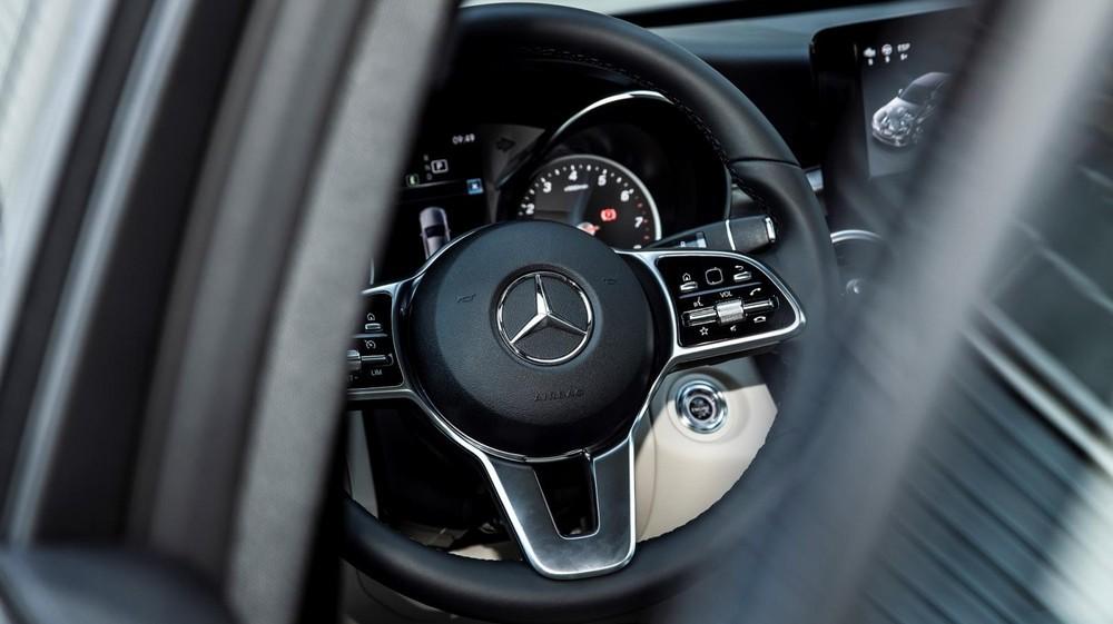 Mercedes-Benz C 180 AMG 2021