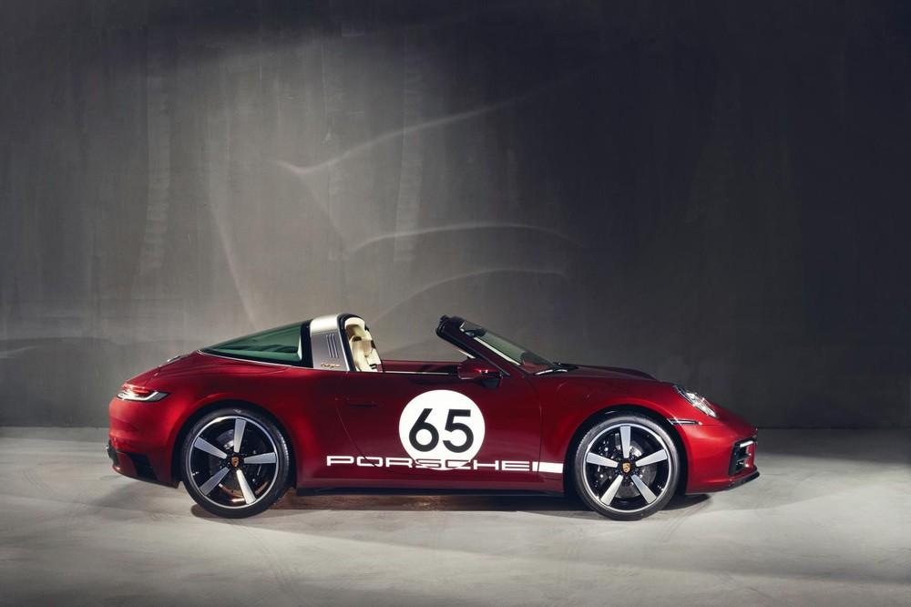 Porsche 911 Targa 4S Heritage Design có giá 11,59 tỷ đồng tại Việt Nam
