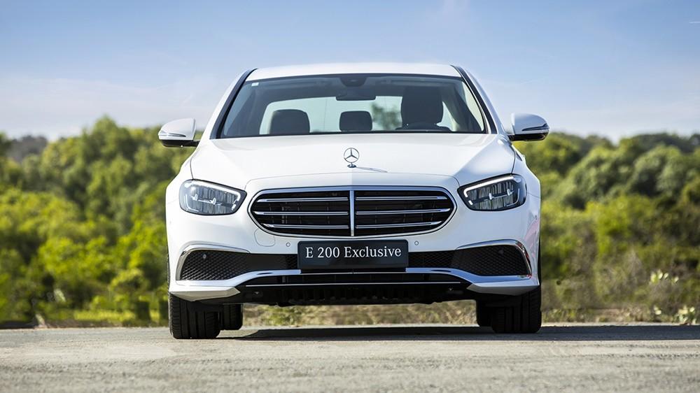 Giá xe Mercedes-Benz E200 Exclusive mới nhất