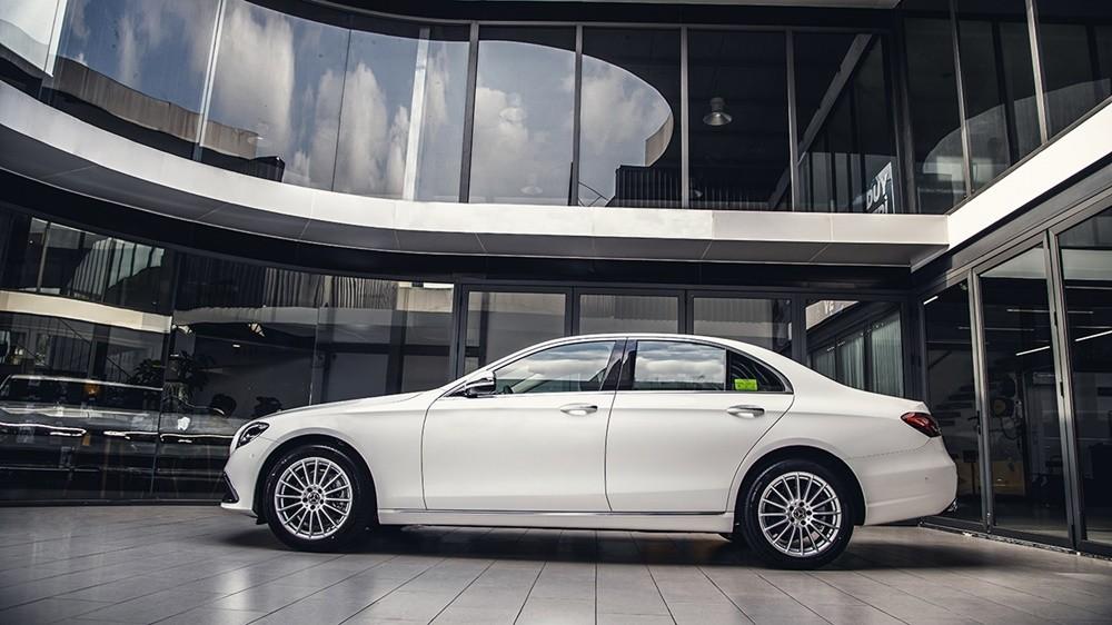 Thiết kế tổng thể của Mercedes-Benz E200 Exclusive 2021