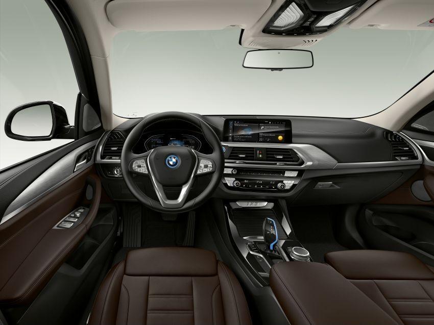 Nội thất bên trong BMW iX3 2022