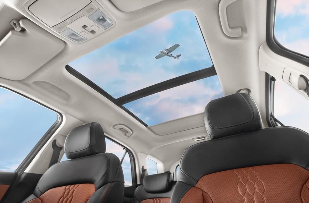 Cửa sổ trời chỉnh bằng giọng nói của Hyundai Alcazar 2021