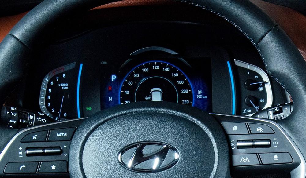 Bảng đồng hồ với màn hình kỹ thuật số 7 inch sau vô lăng của Hyundai Creta 2021