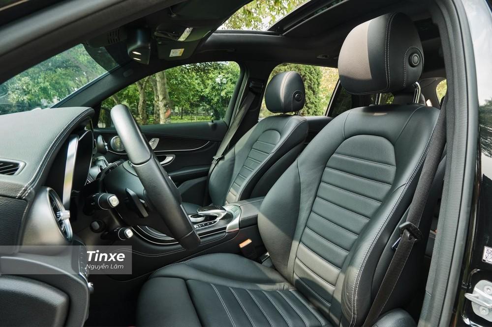 Những xe có cửa sổ trời hấp nhiệt nhiều hơn xe bình thường.