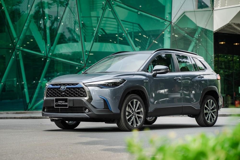 Ở tháng 5/2021, Toyota Corolla Cross bán được 765 xe, dẫn đầu phân khúc C-SUV và lọt top 10 sản phẩm hút khách nhất thị trường.
