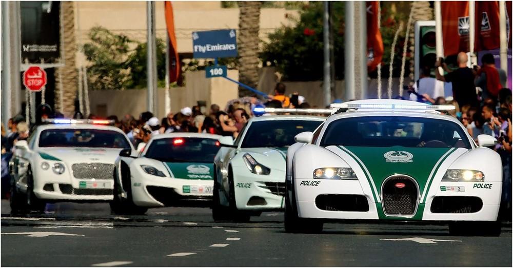 Dàn siêu xe của cảnh sát Dubai