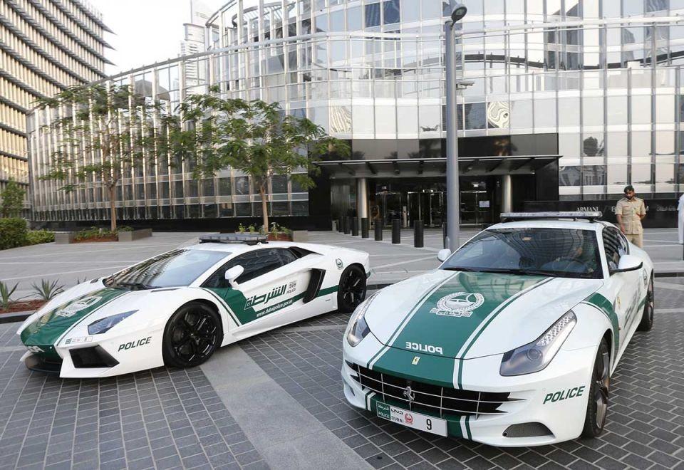 Những chiếc siêu xe ấn tượng khác trong dàn xe tuần tra của cảnh sát Dubai