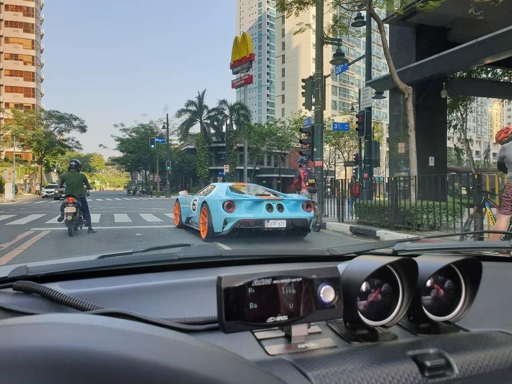 Ford GT Heritage Edition của đại gia Philippines trên đường phố