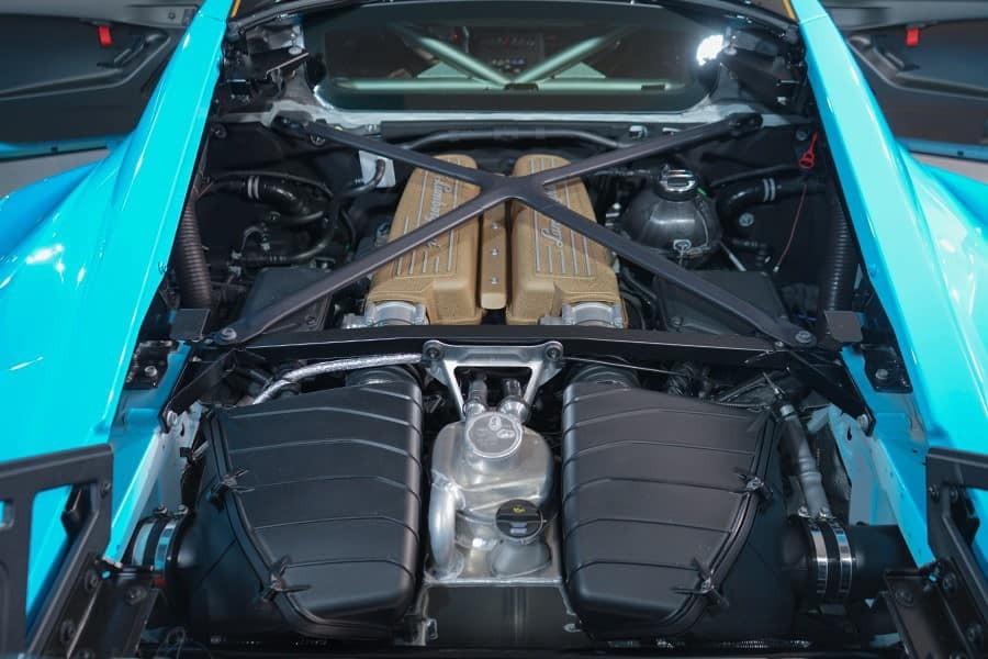 Lamborghini Huracan STO có nhiều công nghệ đường đua