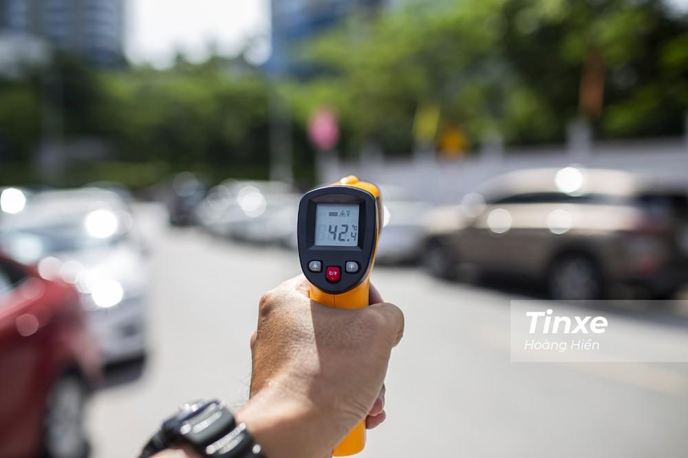 Màu xe nào hấp thụ nhiều nhiệt nhất