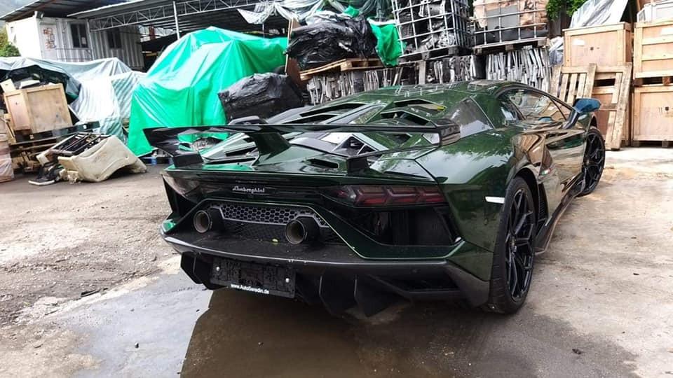 Chiếc Lamborghini Aventador SVJ này có màu Verde Ermes