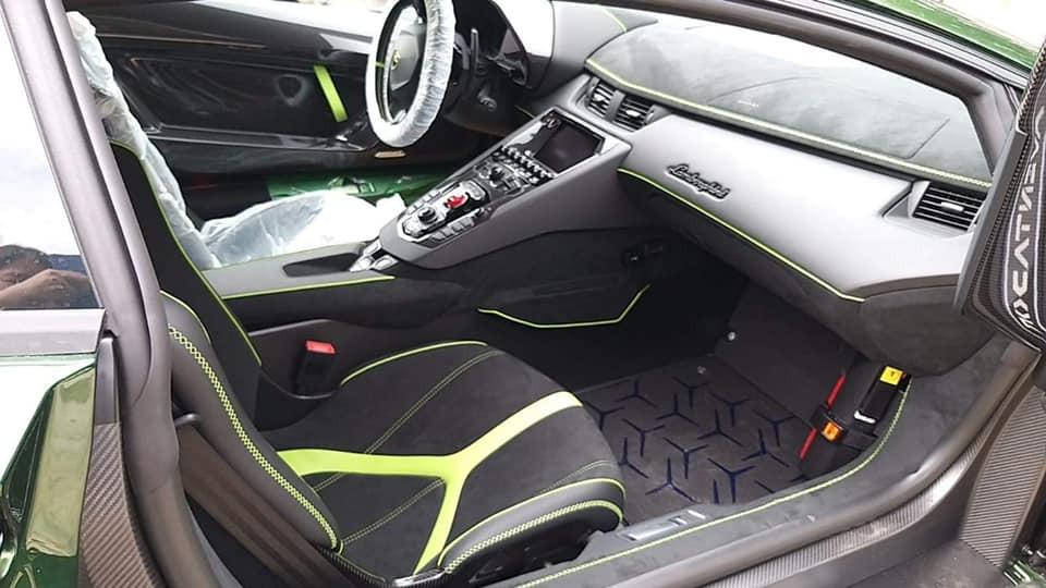 Nội thất siêu xe giới hạn Lamborghini Aventador LP770-4 SVJ của đại gia lan đột biến