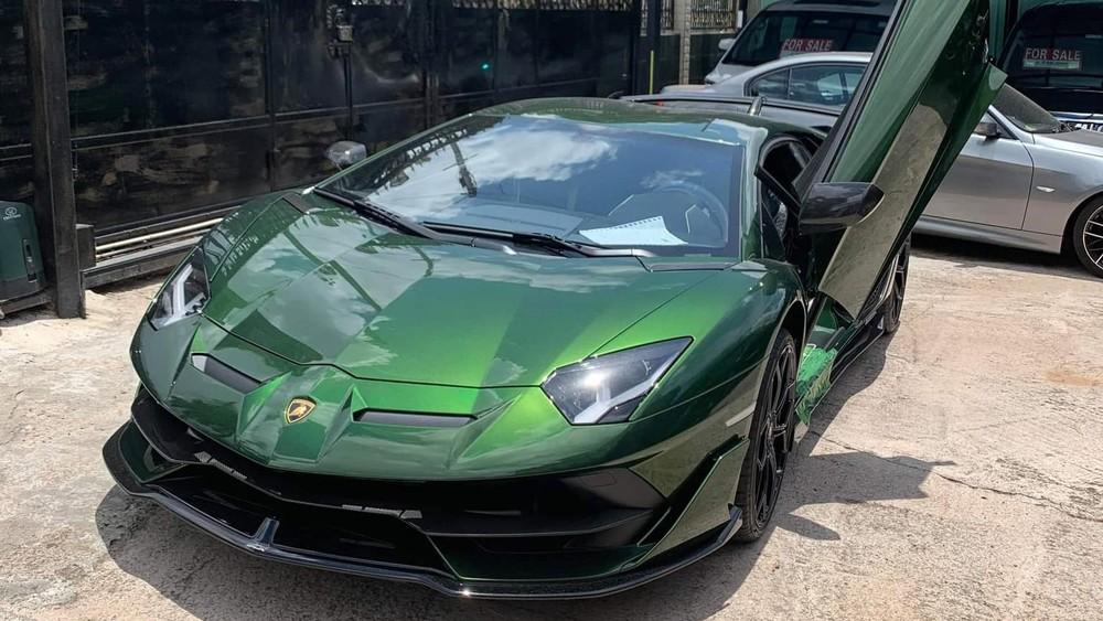Diện mạo siêu xe Lamborghini Aventador SVJ thứ 3 về nước