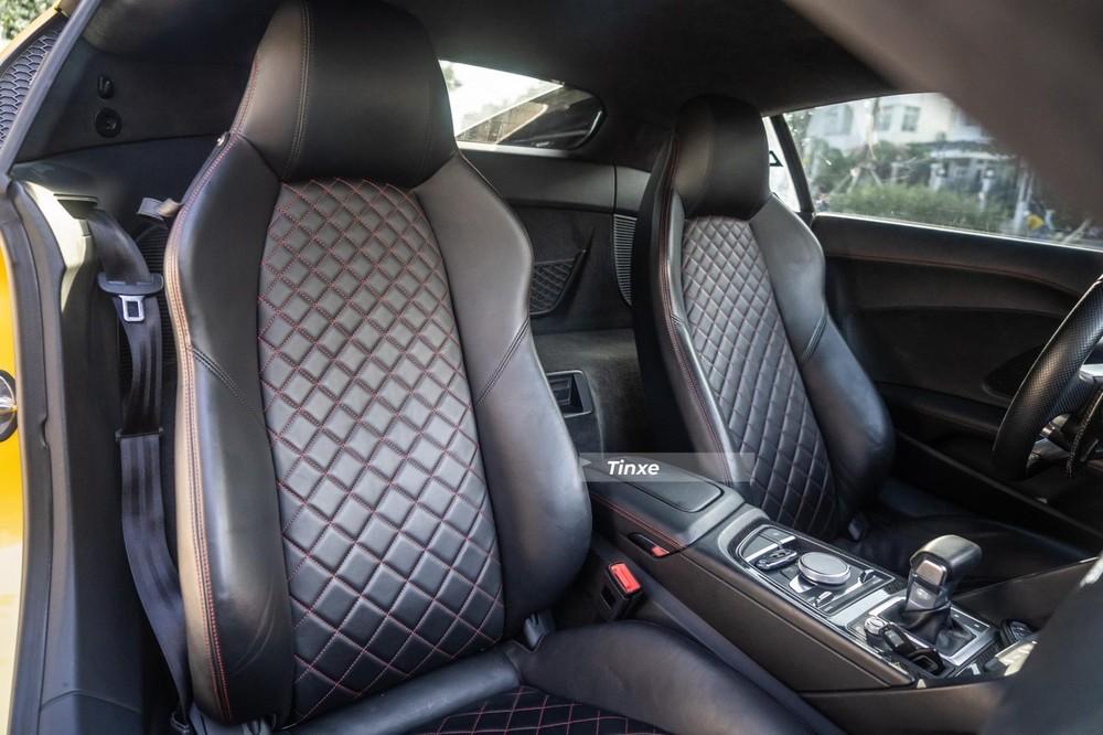 Ghế ngồi của siêu xe Audi R8 V10 Plus