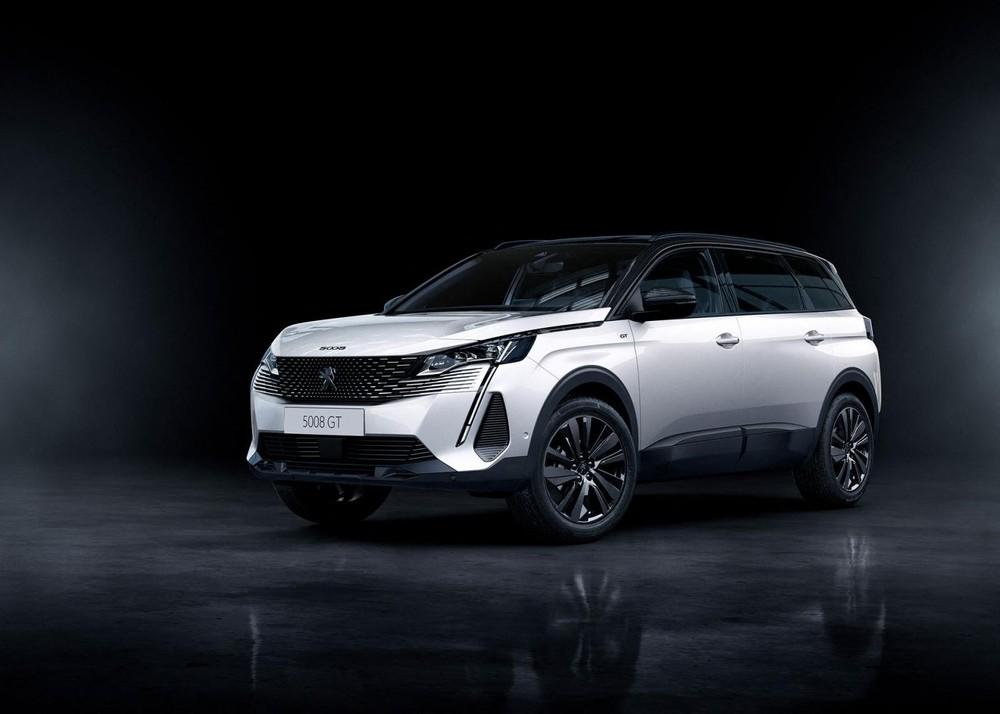 Peugeot 5008 2021 là phiên bản nâng cấp giữa vòng đời, được ra mắt thị trường quốc tế vào tháng 9/2020 ngay sau Peugeot 3008 2021.