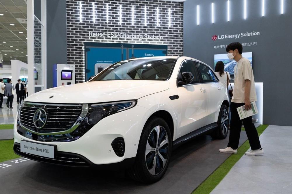Chiếc Mercedes-Benz EQC được trưng bày tại Hàn Quốc