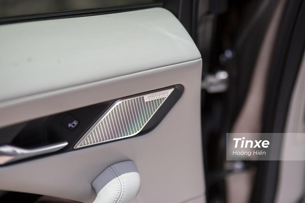 Jaguar i-Pace được trang bị hệ thống âm thanh cao cấp Meridian.