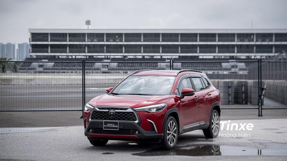 Nếu không chi thêm tiền phụ kiện, khách đặt mua Toyota Corolla Cross sẽ phải chờ đến tháng 10/2021 mới có thể nhận xe.