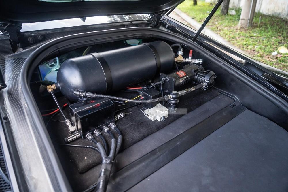 BMW i8 độ thân rộng không được nâng cấp động cơ