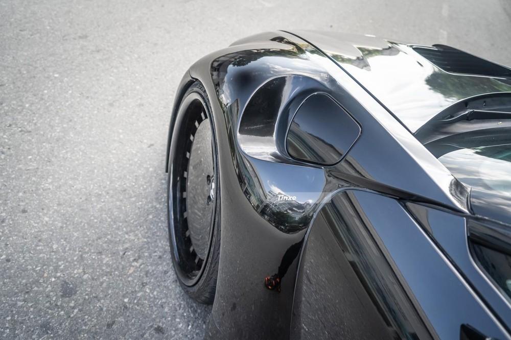 Cách xử lý bộ widebody trên BMW i8 của thợ Việt khá hài hoà