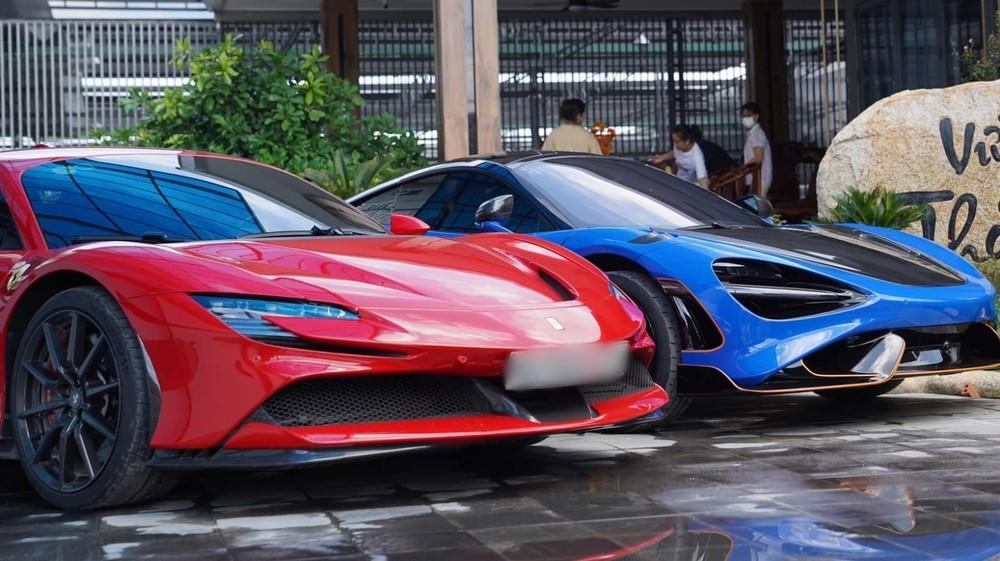 Siêu xe giới hạn McLaren 765LT so dáng cùng Ferrari SF90 Stradale