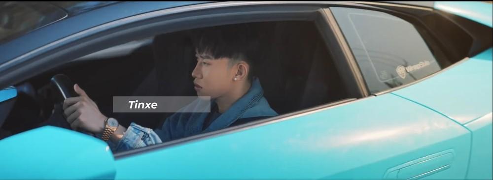 Kay Trần sau vô lăng siêu xe Lamborghini Huracan LP580-2