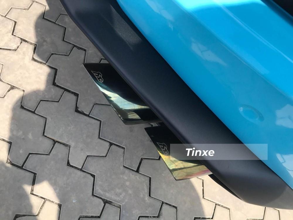 Xe được trang bị ống xả độ Fi