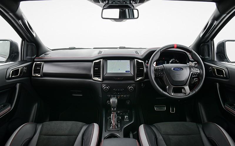 Nội thất bên trong Ford Ranger Raptor X 2021