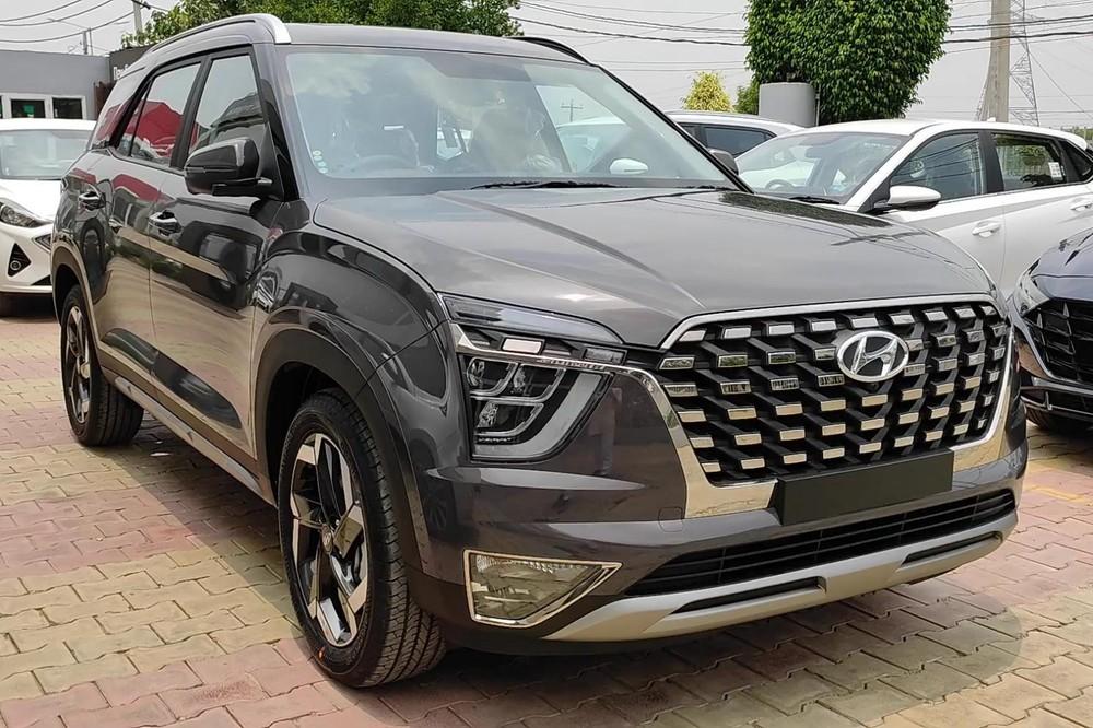 Hyundai Alcazar 2021 có mặt tại đại lý ở Ấn Độ