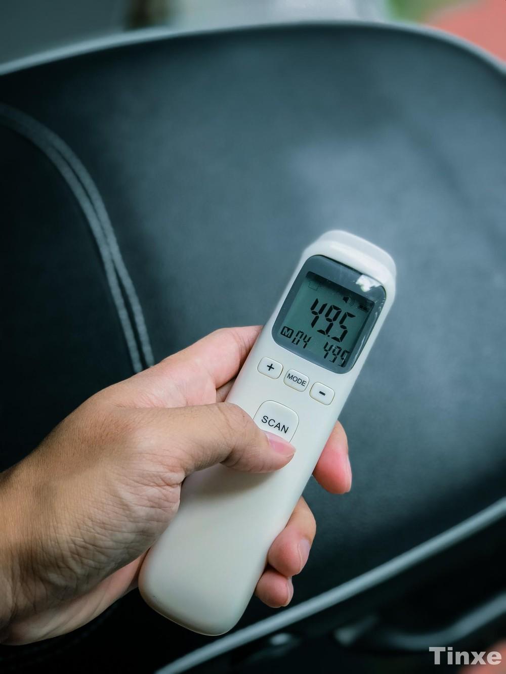 Nhiệt độ yên xe lên đến gần 50 độ C chỉ sau vài phút phơi nắng
