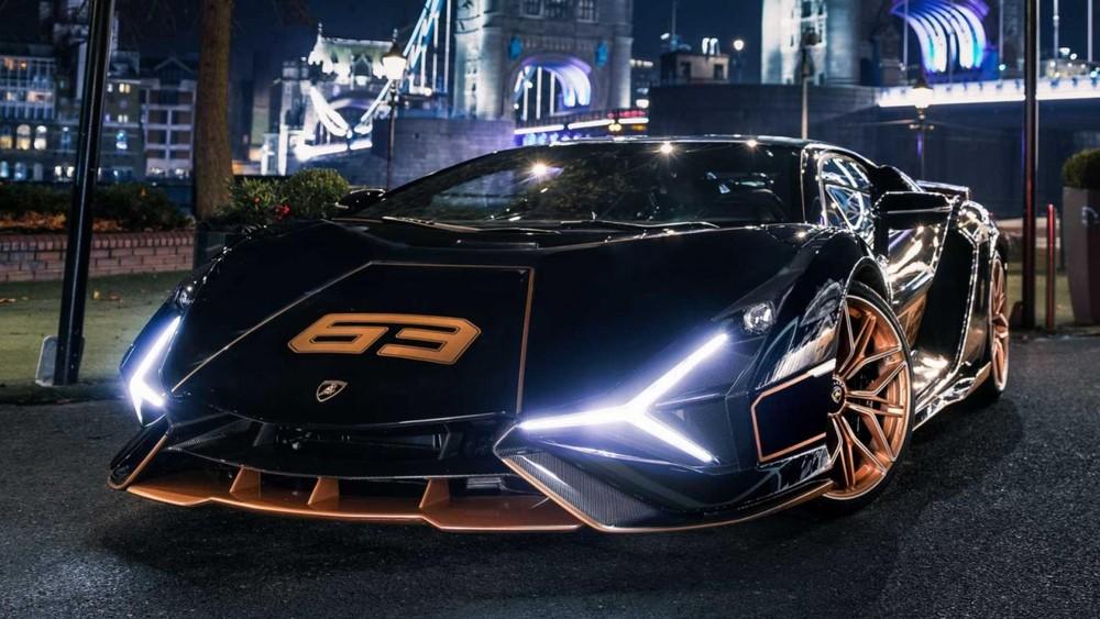 Chiếc xe Lamborghini Sian này còn có logo 63