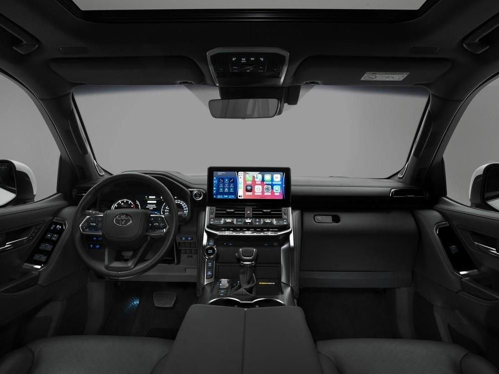 Nội thất của Toyota Land Cruiser 2022.