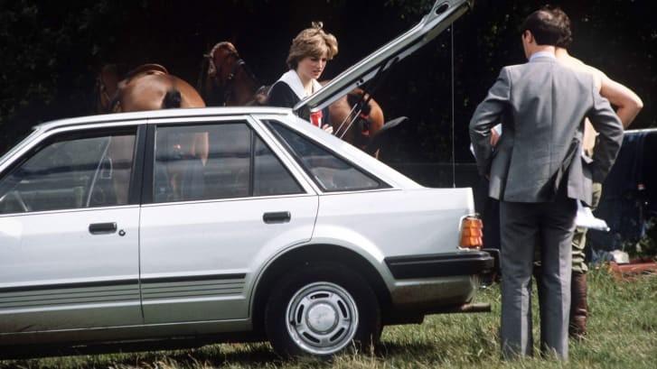 Thái tử Charles đã tặng chiếc Ford Escort Ghia này cho Công nương Diana làm quà đính hôn