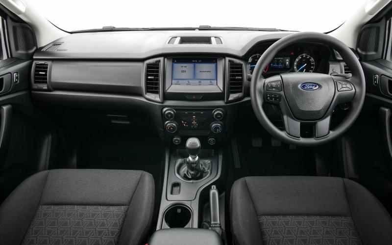 Nội thất của Ford Ranger XL Street 25th Anniversary Edition 2021 không có gì đặc biệt