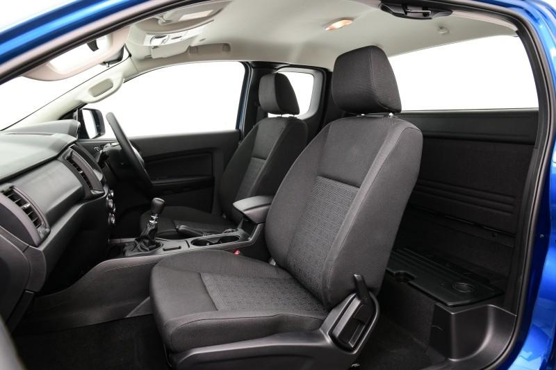 Ford Ranger XL Street 25th Anniversary Edition 2021 chỉ có 2 chỗ ngồi