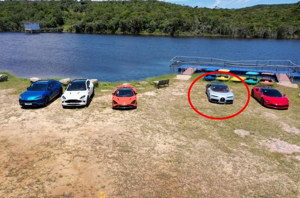 Điểm nhấn là sự xuất hiện của Bugatti Chiron, ngoài ra còn có Ferrari SF90 Stradale màu đỏ, McLaren 765LT màu cam, Aston Martin DBX và Lamborghini Urus màu xanh dương