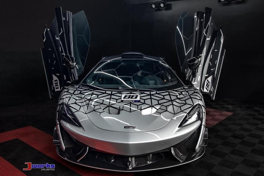 McLaren 620R hợp pháp duy nhất ở Philippines