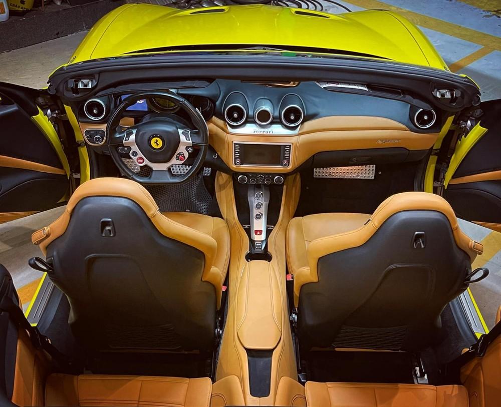 Ferrari California T có đến 4 ghế ngồi