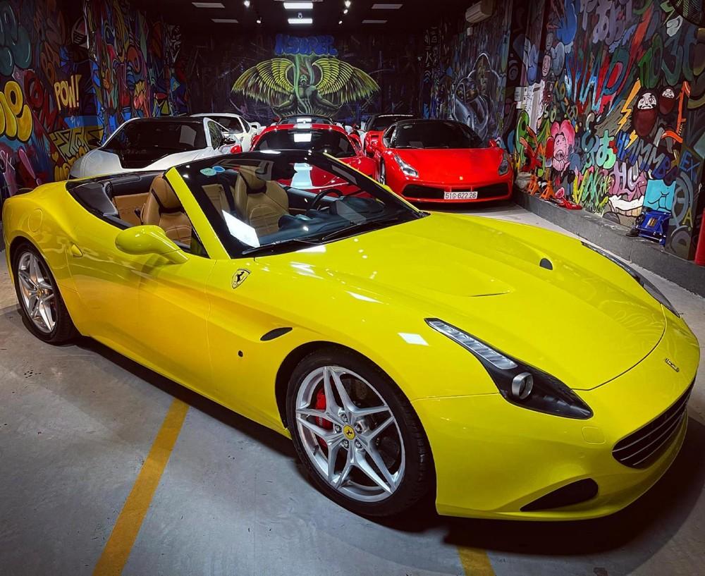 Vẻ đẹp của Ferrari California T khi mở mui