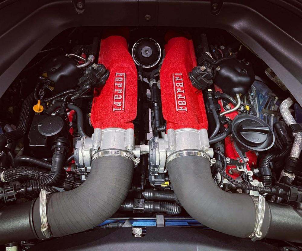 Động cơ của siêu xe mui trần Ferrari California T