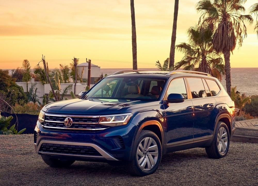 Thiết kế của Volkswagen Teramont sử dụng khá nhiều đường nét vuông vức, đem tới cảm giác cơ bắp đậm chất SUV cỡ lớn.