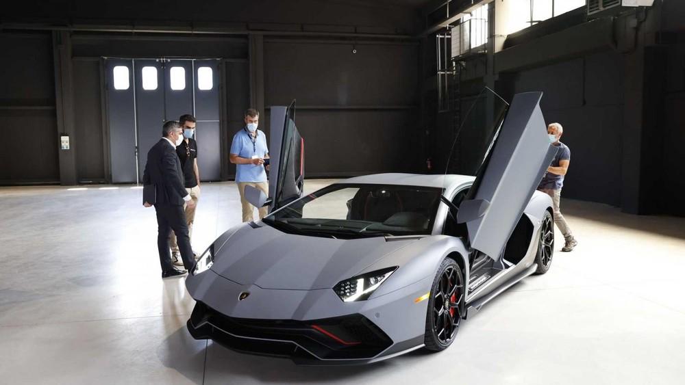 Lamborghini Aventador LP 780-4 Ultimae sở hữu thiết kế như kết hợp giữa Aventador S và Aventador SVJ