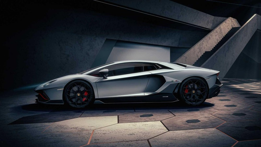 Lamborghini Aventador LP 780-4 Ultimae dùng vành 20 inch trước 21 inch sau